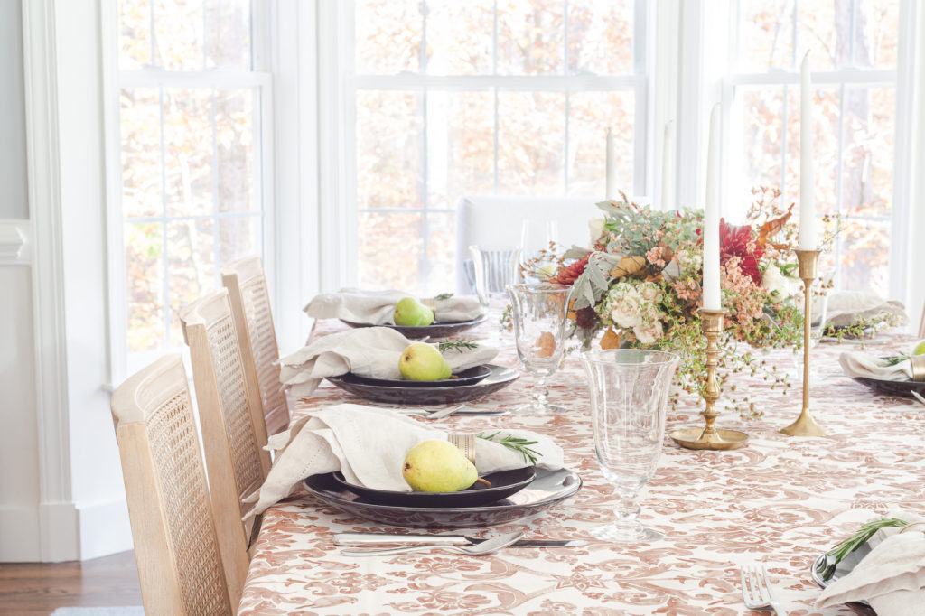 5 Tips for Styling Your Thanksgiving Table