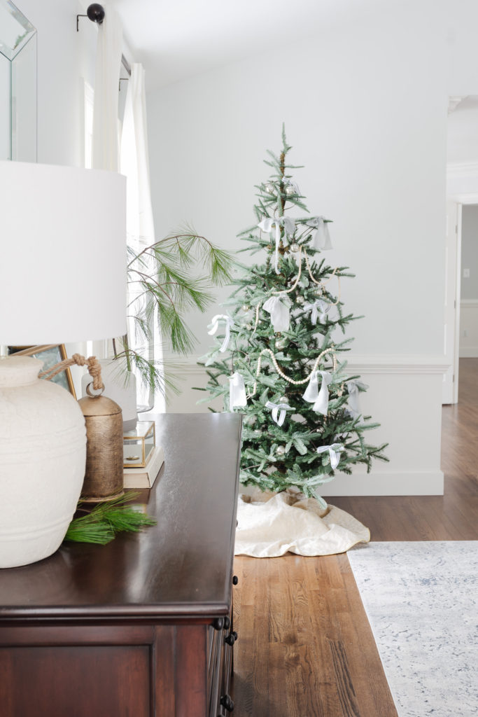 Green, Blue and Lovely Christmas Bedroom